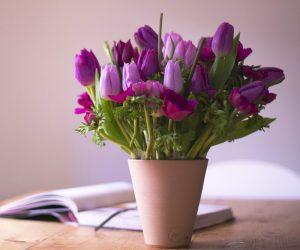 Image of a vase of flowers. Floristry courses in somerset uk
