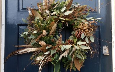 Making a Christmas Wreath (video)