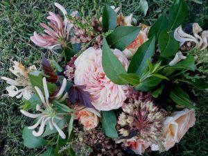 image of a floral arrangement to illustrate floral craft workshops in somerset, wiltshire bath and bristol