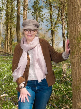 Portrait of Michelle Wake who runs garden workshops for the crafty gardeners